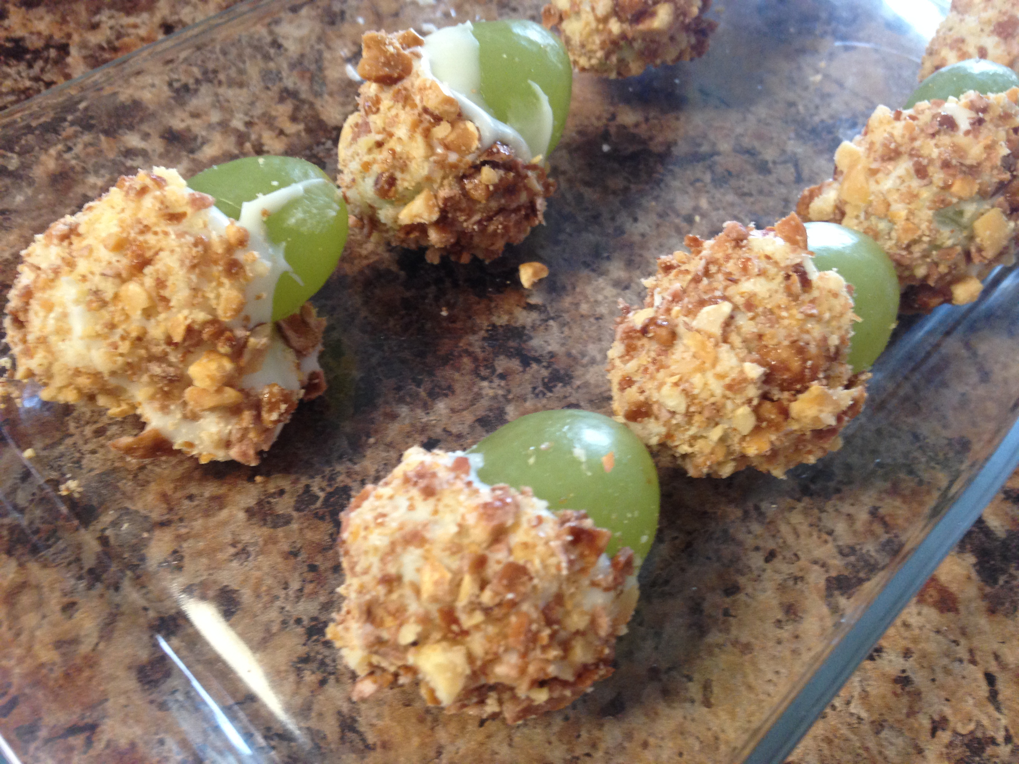 Recipe: Taffy Apple Grapes   Traveling Murphy's Life Adventures